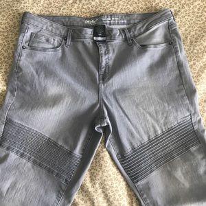 Gray Moto Jeans - size 16